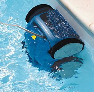 Soluciones para acabar con el agua verde de la piscina zodiac poolcare - Agua de la piscina turbia ...